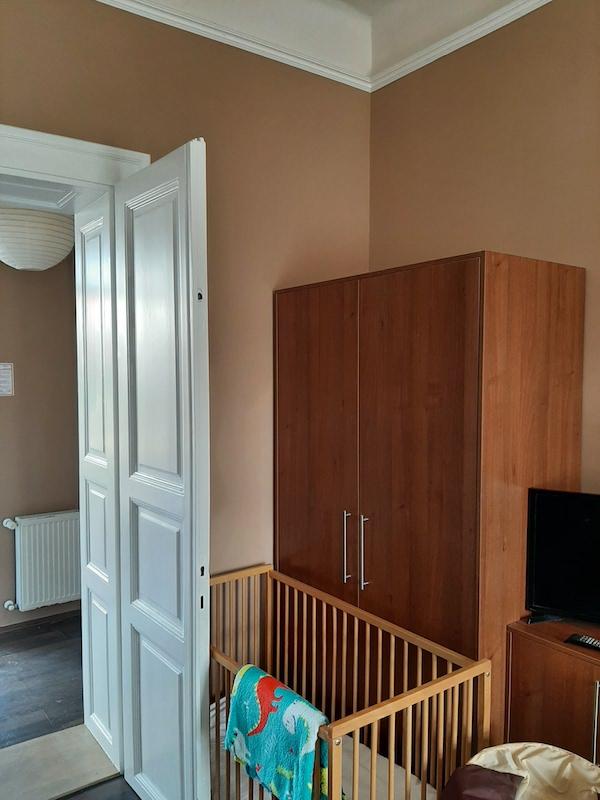 falfestés az apartmanban